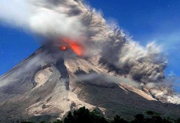 ou voir des volcans encore en activité?